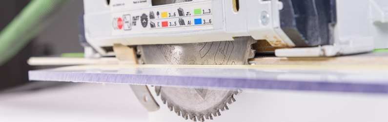 Berühmt Polycarbonat schneiden / sägen | Kunststoffplattenonline.de EY77