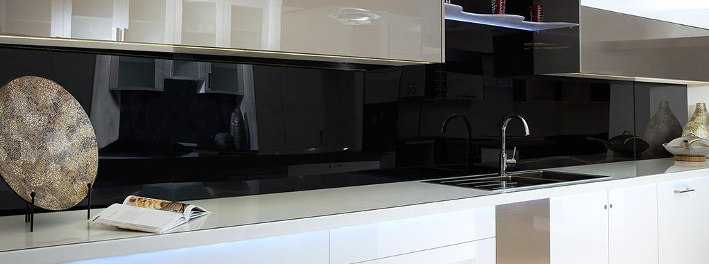 küchenrückwand plexiglas-schwarz