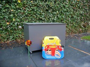 Spielzeugkiste outdoor