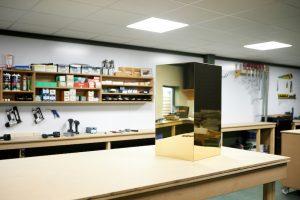 IKEA Hack Podest selber bauen Ergebnis auf der Werkbank