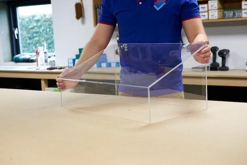Mini Gewaechshaus DIY Ergebnis bei geschlossenem Deckel