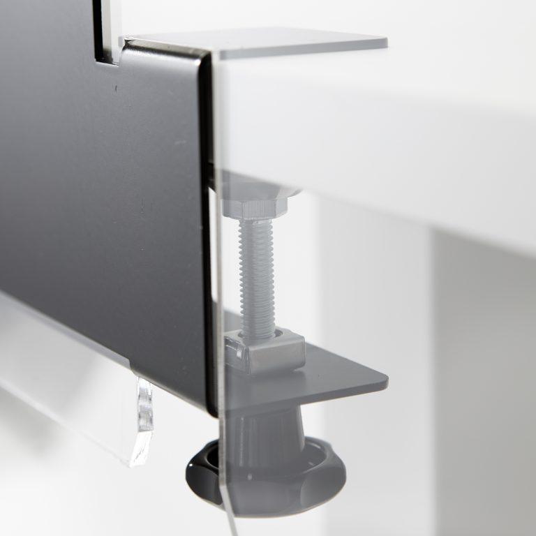 Stahlhalterung mit Klemmsystem fuer plexiglas