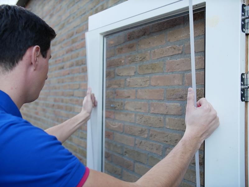 Acrylglas Fenster platzieren