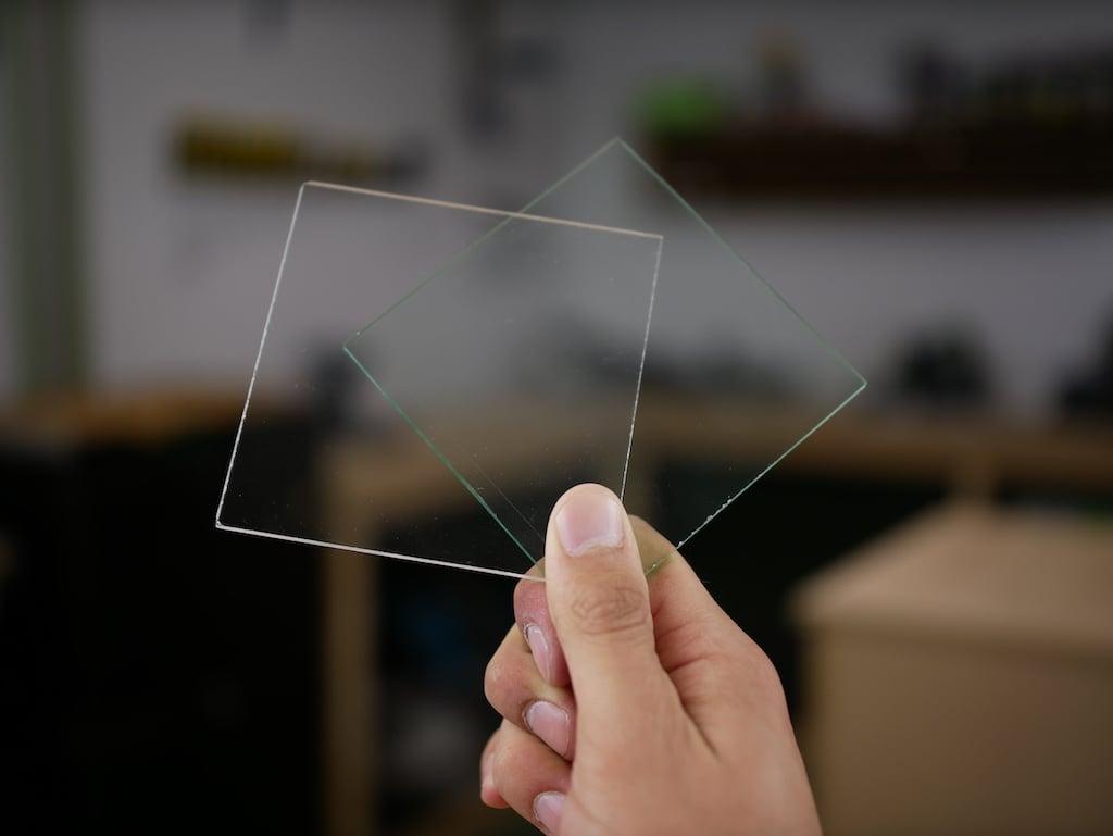 Glas oder Acrylglas