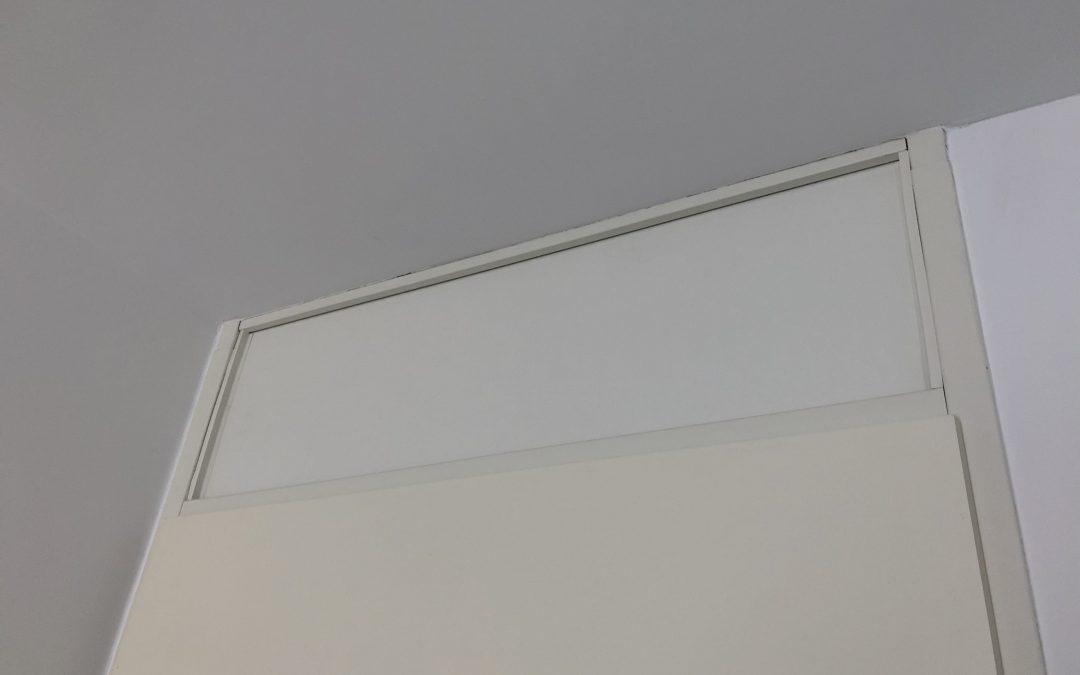 Mit HPL eine Tür mit Oberlicht verschließen