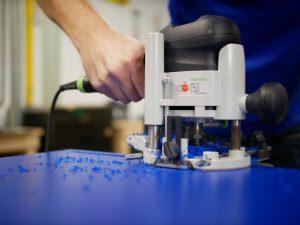 PVC fraesen mit einer Fraesmaschine