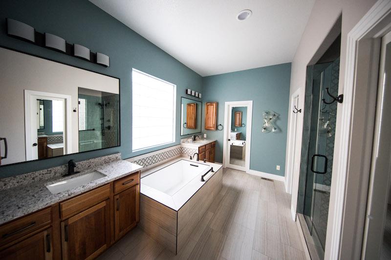 Badezimmerfenster für mehr Privatsphäre