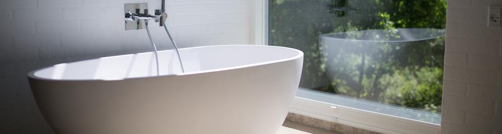 Badezimmerfenster-transparant-acrylglas.jpg