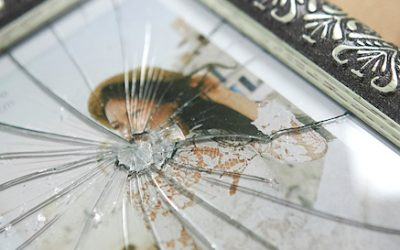 Glas Fotorahmen ersetzen durch PLEXIGLAS® Bilderrahmen nach Maß