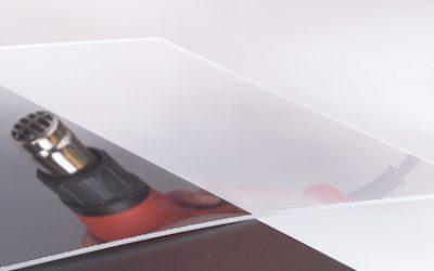 DIY Transparenter Nachttisch aus PLEXIGLAS®