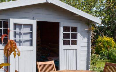 Gartenhaus Fenster wechseln in 5 Schritten