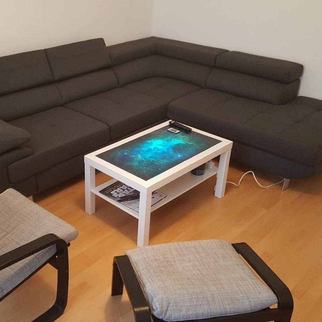 Beleuchteter IKEA Tisch