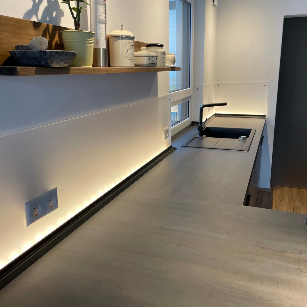 Küchenrückwand mit Beleuchtung