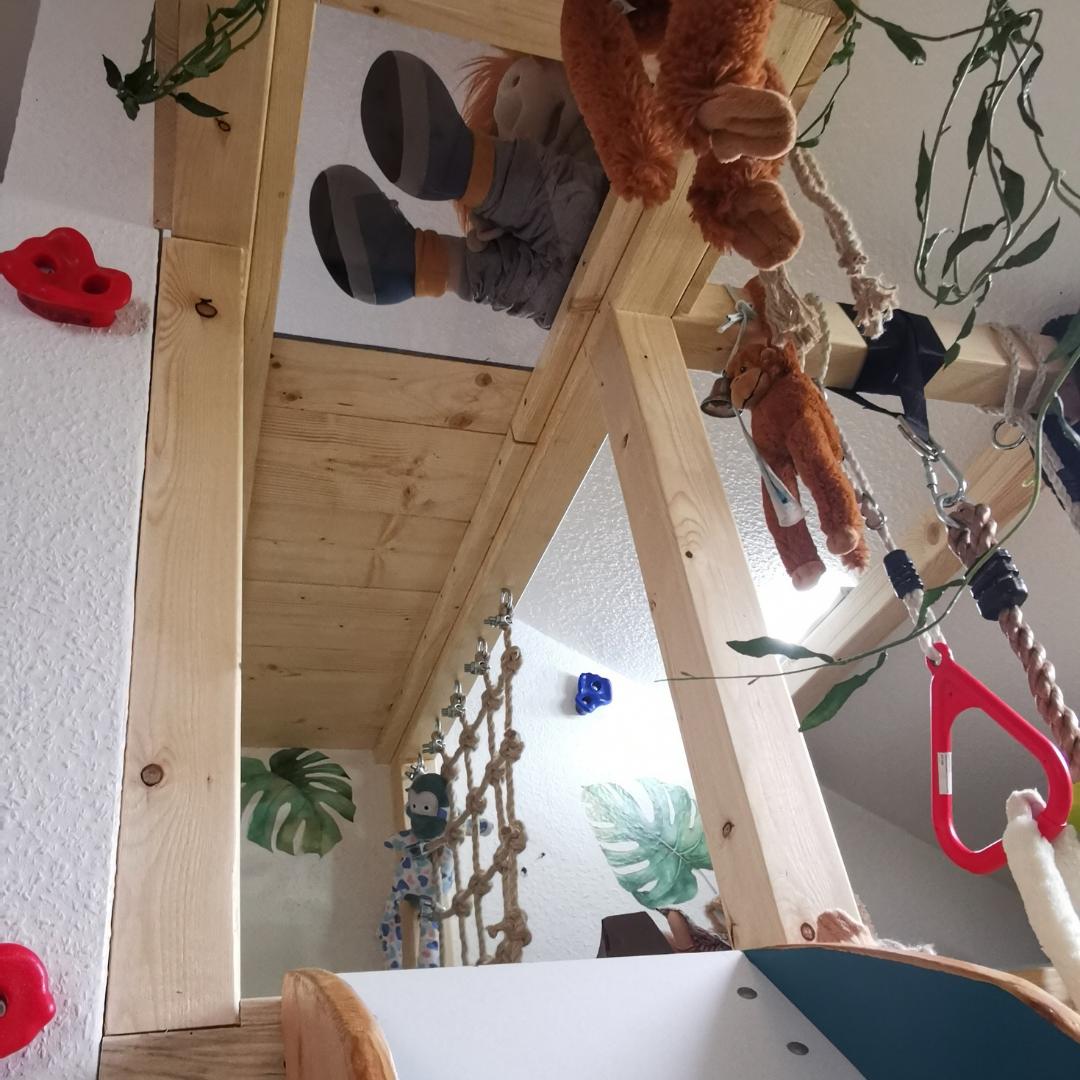 Bett-Spielhaus